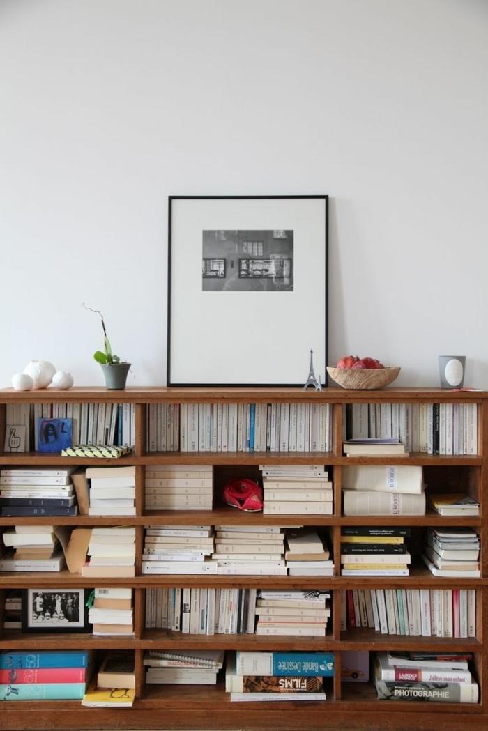 etageres-designes-murales-livres-a-poser-mur-blanc-peintures-murales-livres