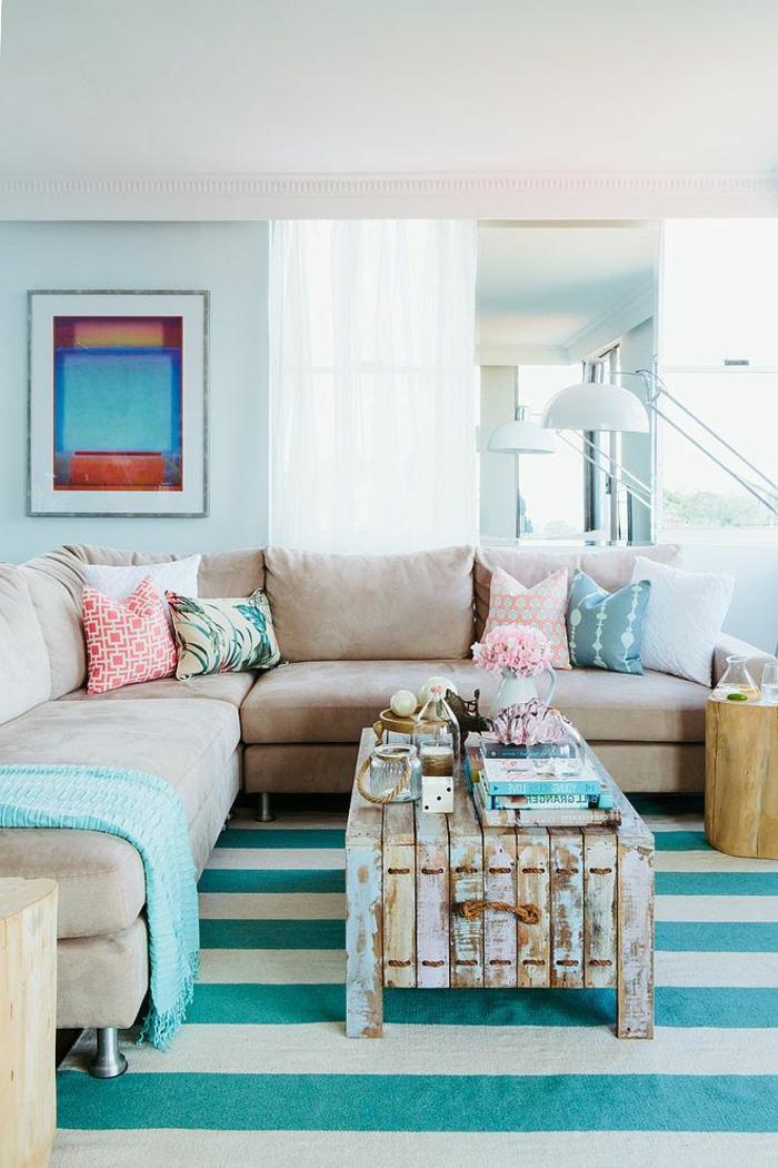 fabriquer-table-basse-palette-ciel-bleu-tapis-sofa-sejour