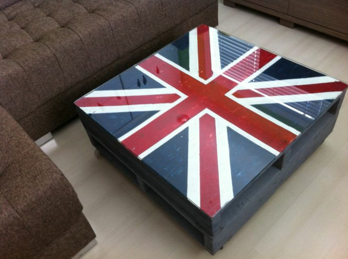 la table basse palette 60 id es cr atives pour la. Black Bedroom Furniture Sets. Home Design Ideas