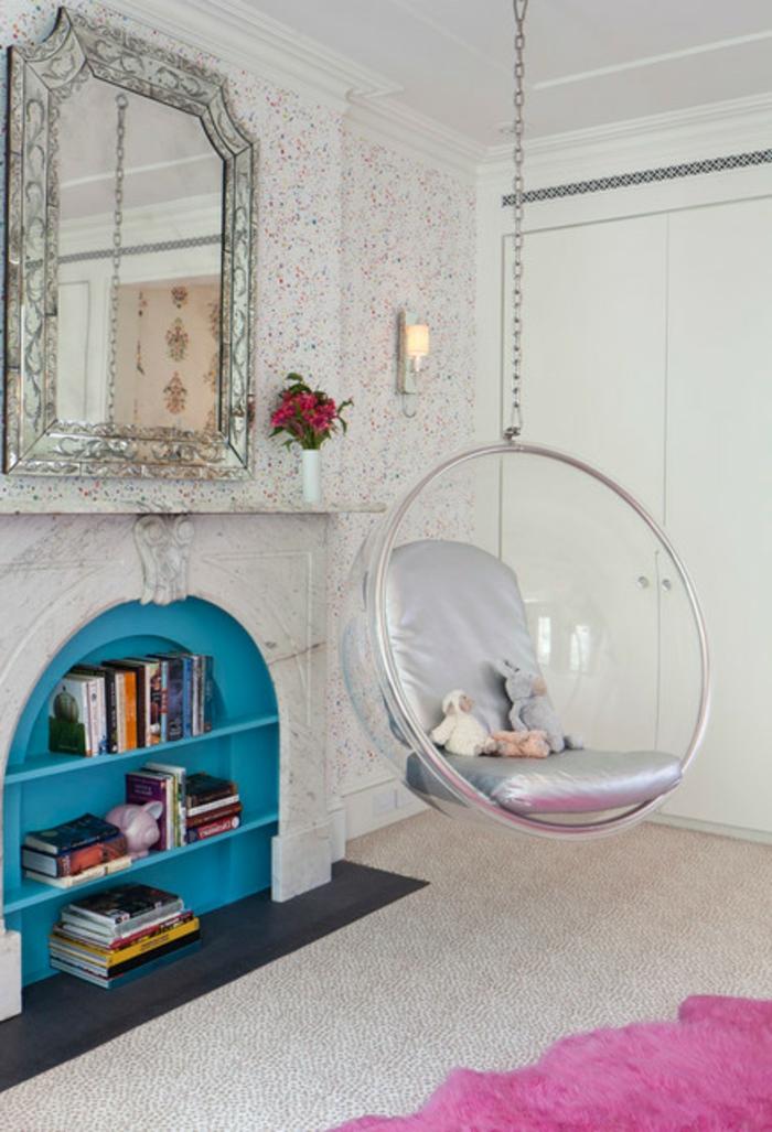 fauteuil-boule-acrylique-intérieur-vintage-féminin