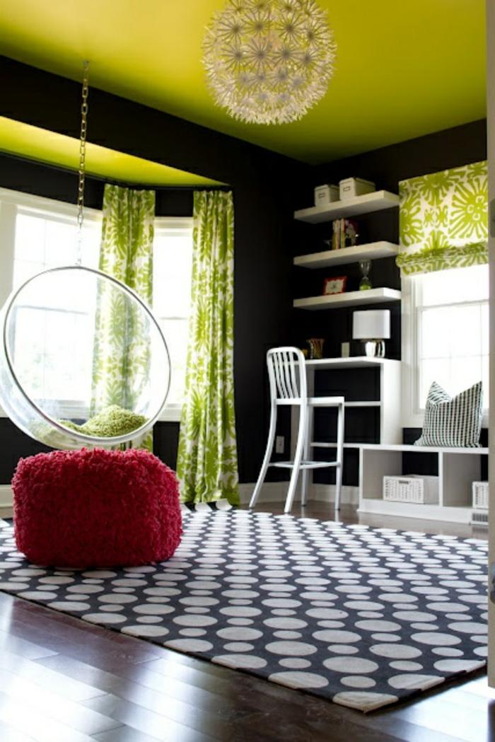 fauteuil-boule-transparent-suspendu-plafond-vert