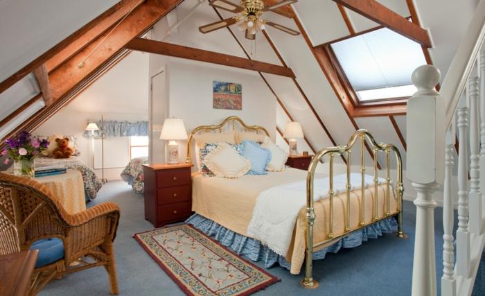 fenetre-de-toit-idée-originale-belle-chambre-a-coucher-vintage