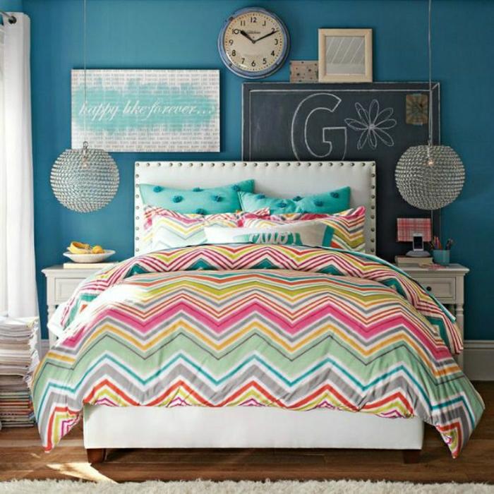 idée-chambre-ado-fille-être-créative-couleurs