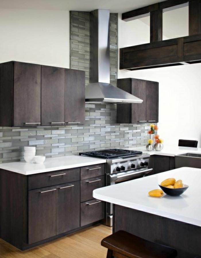 idée-couleur-cuisine-grise-bar-de-cuisine-modele-de-cuisine-mur-carrelage-gris-meubles