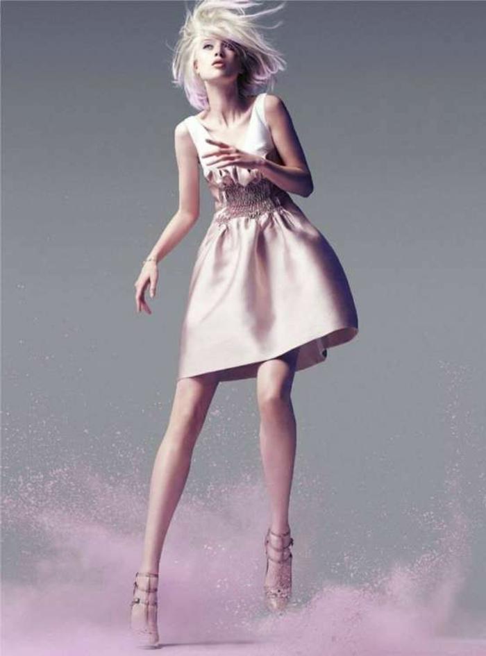 idée-créative-pour-votre-tenue-d'été-v-neck-robe-courte