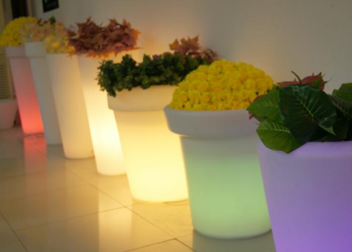 idée-de-jardin-pot-lumineux-couleurs