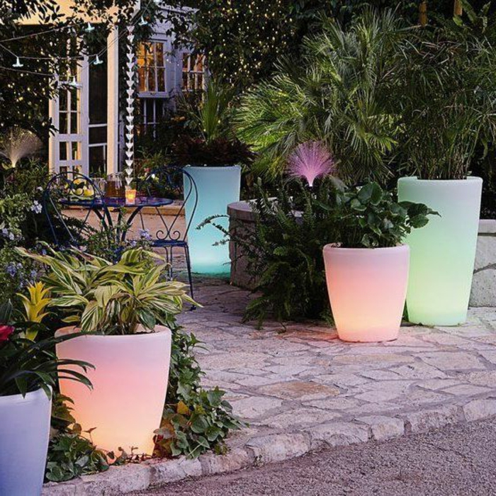 idée-de-jardin-pot-lumineux-jardin
