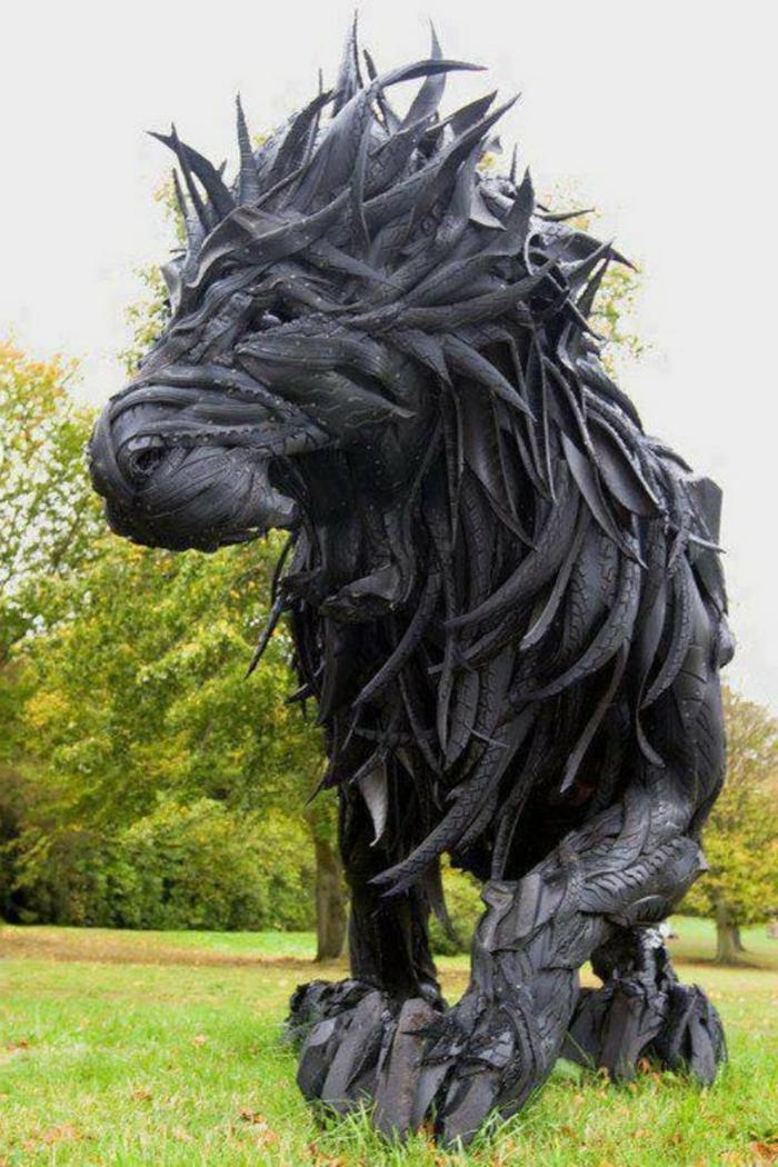 idée-récyclable-artistique-sculpture-de-pneux-magnifique