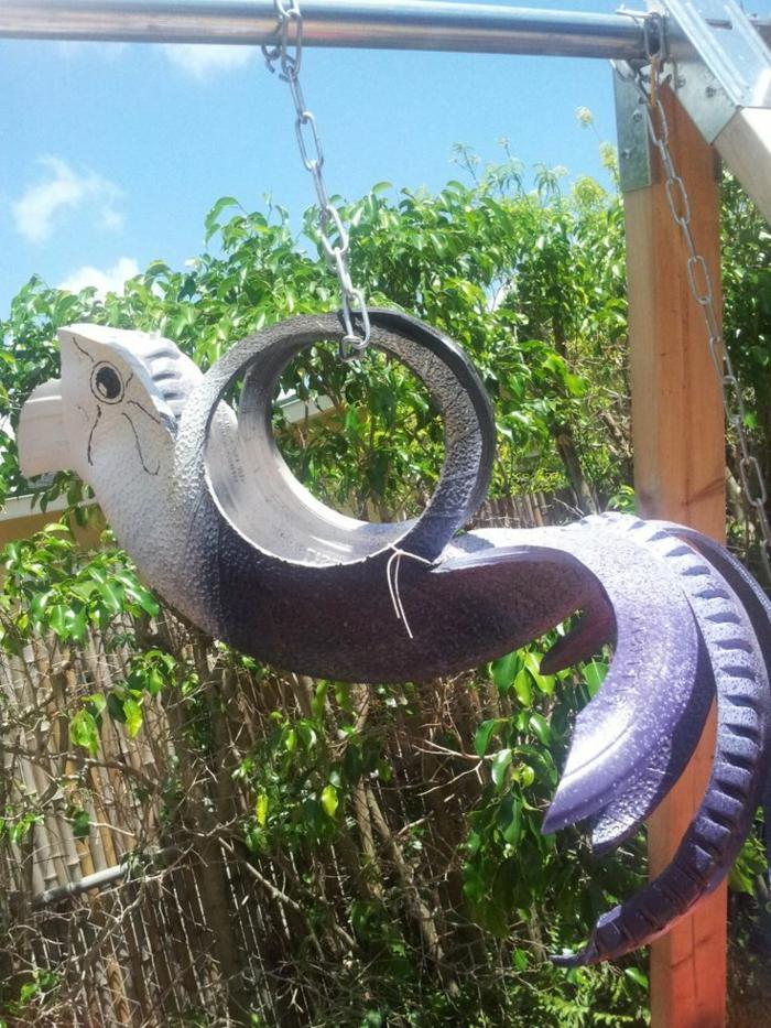 idées-pour-le-recyclage-pneux-le-terrain-d'enfants-de-plein-air-sculpture-de-pneu