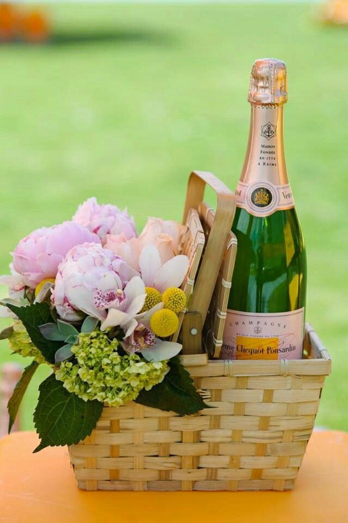 idee-pique-nique-le-panier-fleurs-champagne