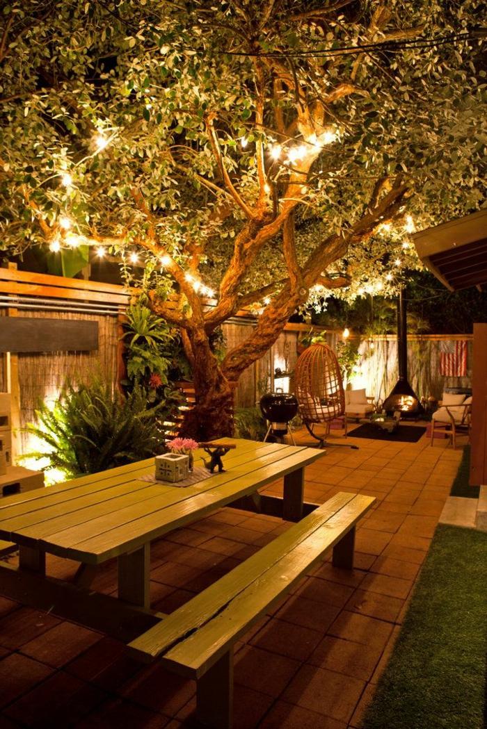 jardin-avec-cheminée-extérieur-meuble-rustique-en-bois-massif-idée-aménagement