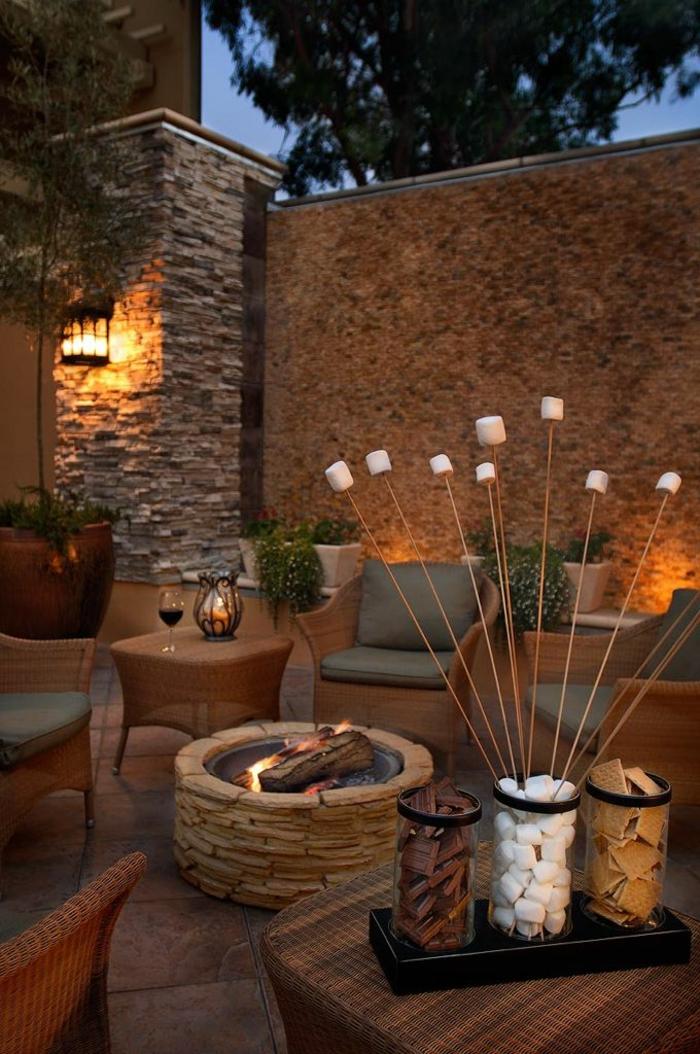 jardin-avec-luminaires-exterieurs-deco-exterieur-meubles-de-jardin