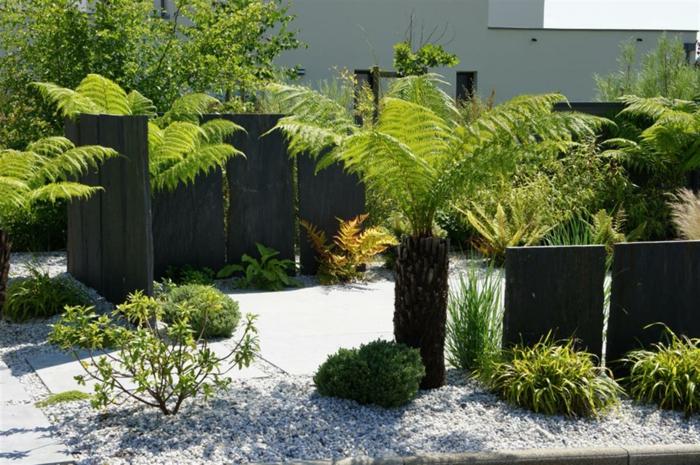 jardin-paysager-avec-gravier-et-cloture-originale