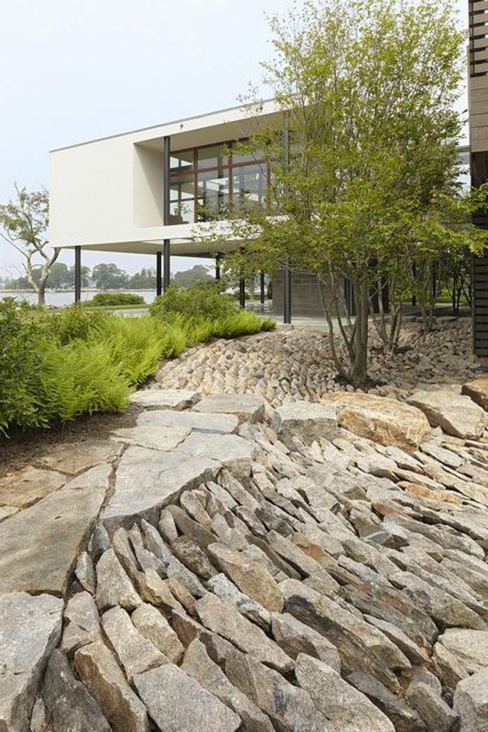 jardin-paysager-avec-pierres-naturelles