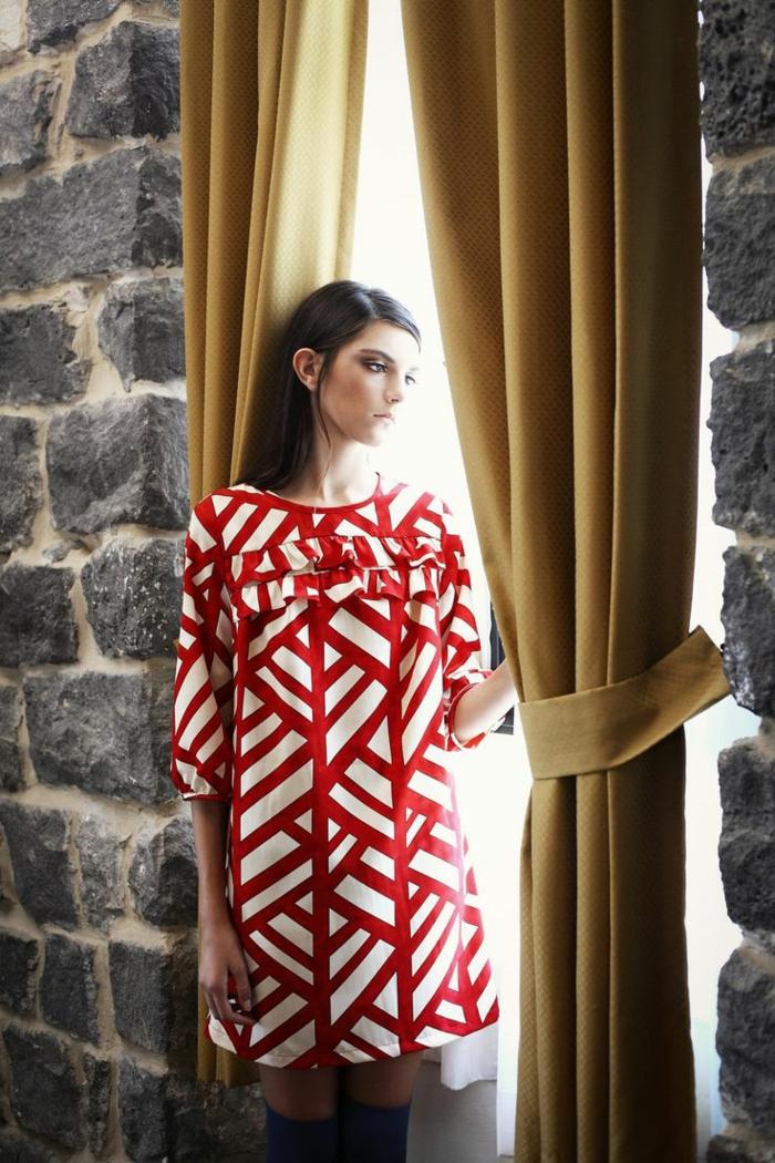 jolie-robe-d-été-colorée-rouge-femme-robe-naf-naf-belle-fille