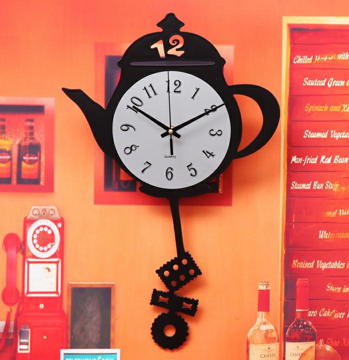 la-théière-porcelaine-idée-déco-horloge