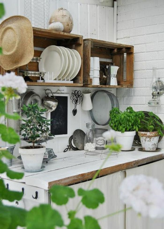 les-meubles-rustiques-pour-le-jardin-de-vos-reves-cuisine-extérieur-plantes-vertes