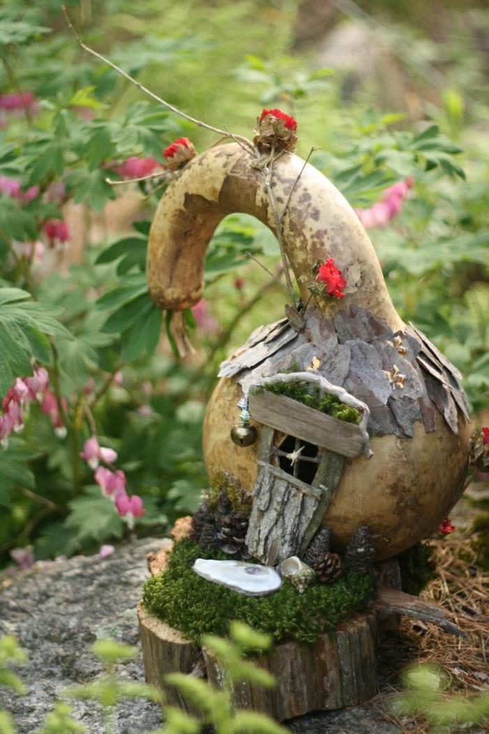 maison-de-nains-idée-jardin-décoration-de-jardin-fleurs-maison-nain