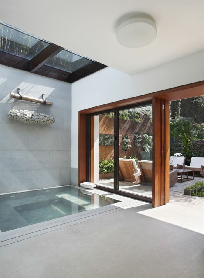 maison-de-verre-plancher-de-verre-idée-aménagement-insolite-luxe-maison
