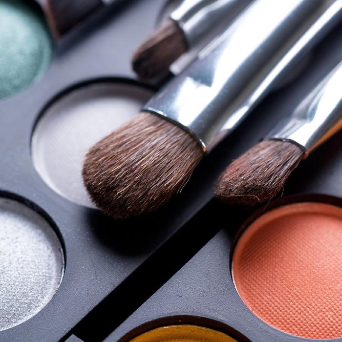 maquillage-pinceaux-palette-beauté