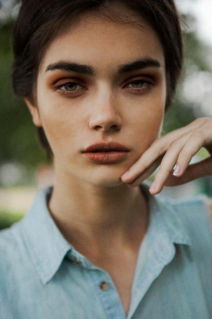 maquillage-yeux-marron-tous-les-jours