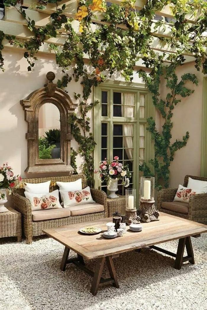 meuble-en-pin-meuble-rustique-pour-le-jardin-table-rustique-aménagement-de-jardin