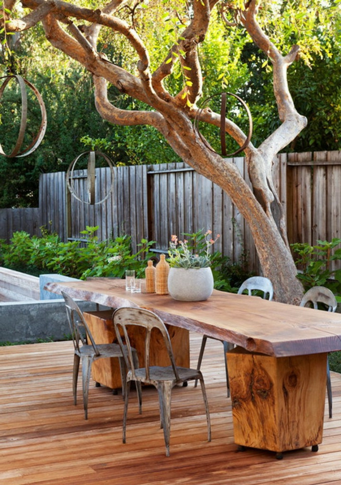 meuble-rustique-pour-le-jardin-meuble-en-bois-massif-jardin-idée-aménagement