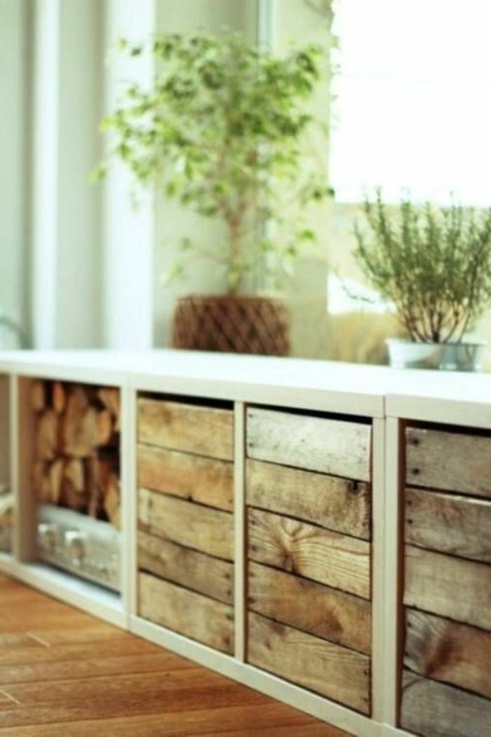 meuble-teck-meuble-massif-bois-parquet-salon-plantes-vertes