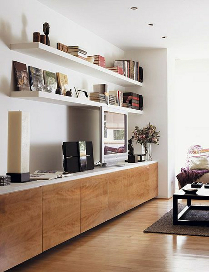meuble-tv-design-en-bois-sol-en-parquet-clair-salon-design-lumière-meuble-tv-bois