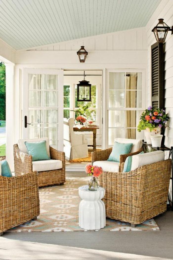 meubles-en-rotin-chaises-en-bois-chaise-osier-veranda-maison-cour-jardin
