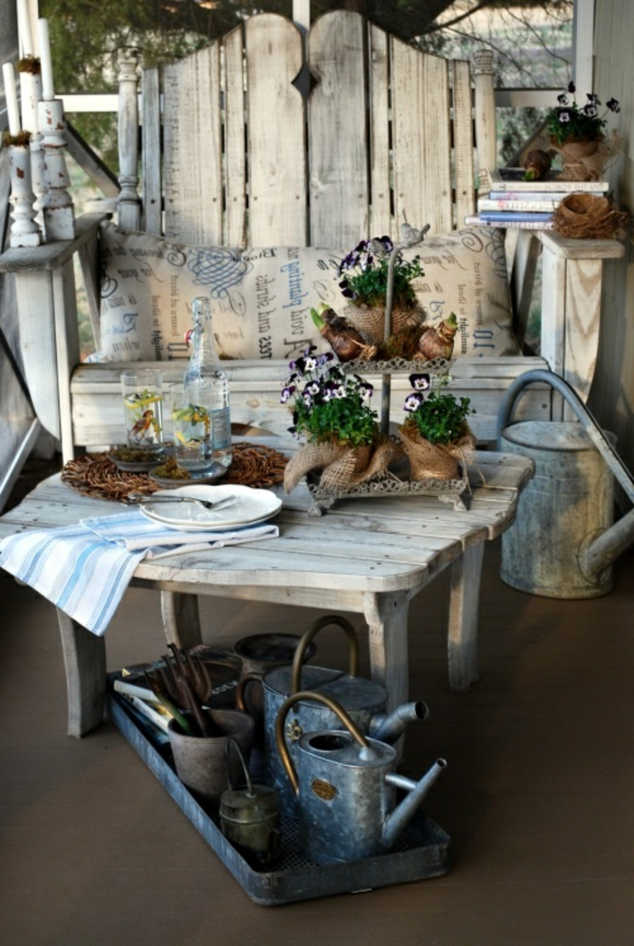 meubles-rustiques-table-rustique-de-jardin-table-en-bois-massif-jardin-idée