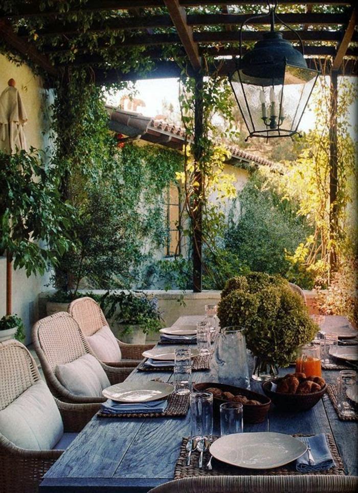 meubles-rustiques-table-rustique-de-jardin-table-en-bois-massif-jardin