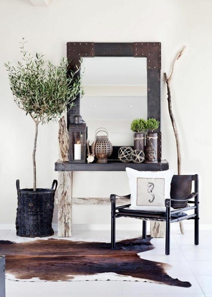 miroir-plante-verte-couloir-moderne-sol-carrelage-blanc-meuble-en-bois-mur-beige