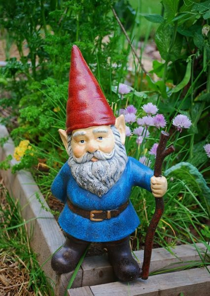 nain-de-jardin-chapeau-rouge-barbu-statue-de-jardin-décoration-de-jardin