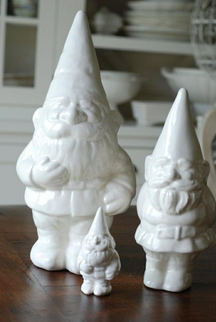 nains-blancs-de-jardin-statues-de-jardin-blancs-idée-décoration-de-jardin