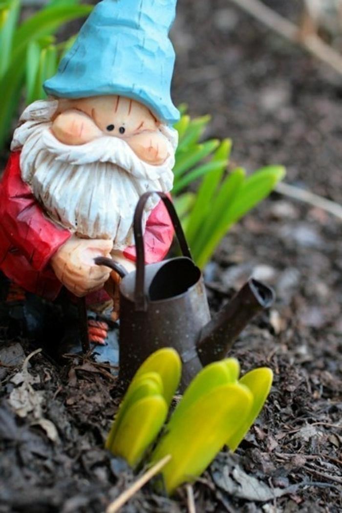 nains-de-jardin-deco-deoration-jardin-fleurs-jardin-idée