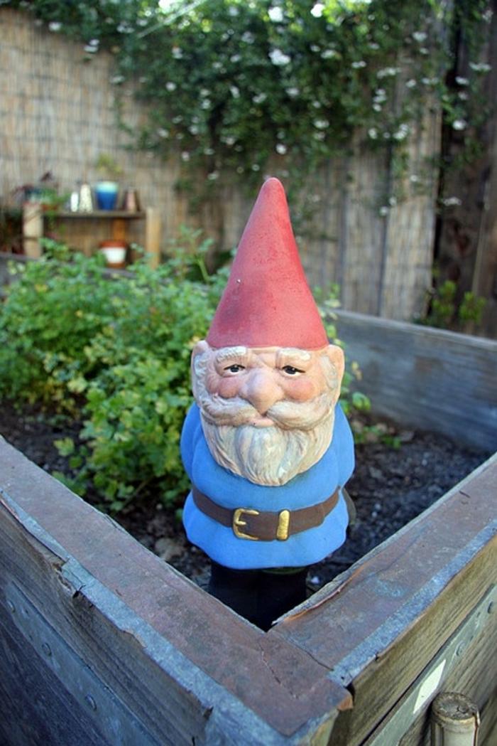 nains-de-jardin-deco-jardin-statue-de-jardin-fleurs-extérieur-moderne