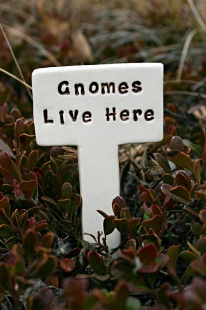 nains-habitent-ici-attention-statue-de-jardin-décoration-jardin-extérieur