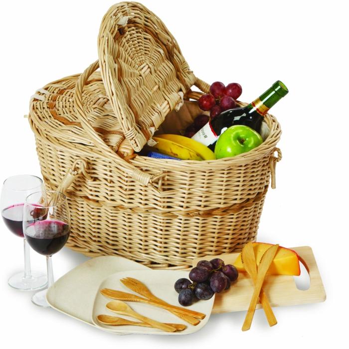 panier-pique-nique-jour-nature-manger-fruits-boire-vin