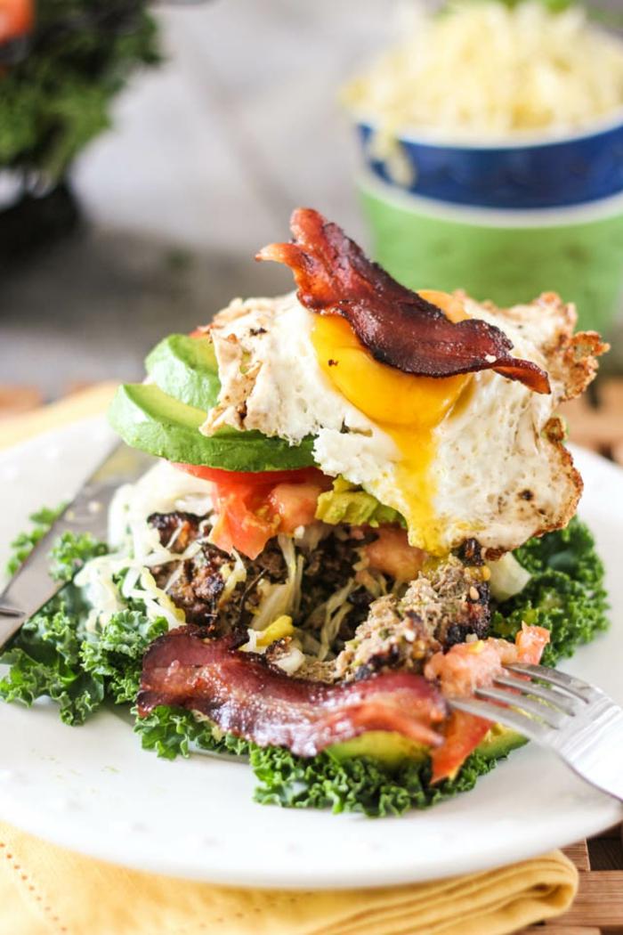 petit-déjeuner-équilibré-idée-saine-salé-bacon