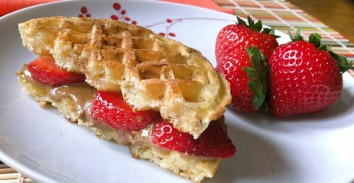 petit-déjeuner-régime-équilibré-gouffre-fraises
