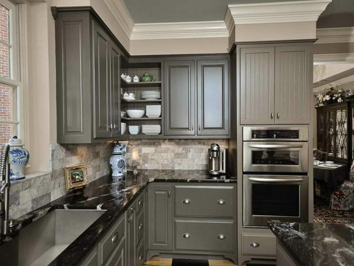 Elegant kitchen color ideas with oak cabinets