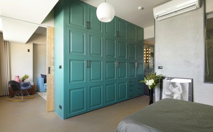pièce-à-coucher-armoire-bleue-claire