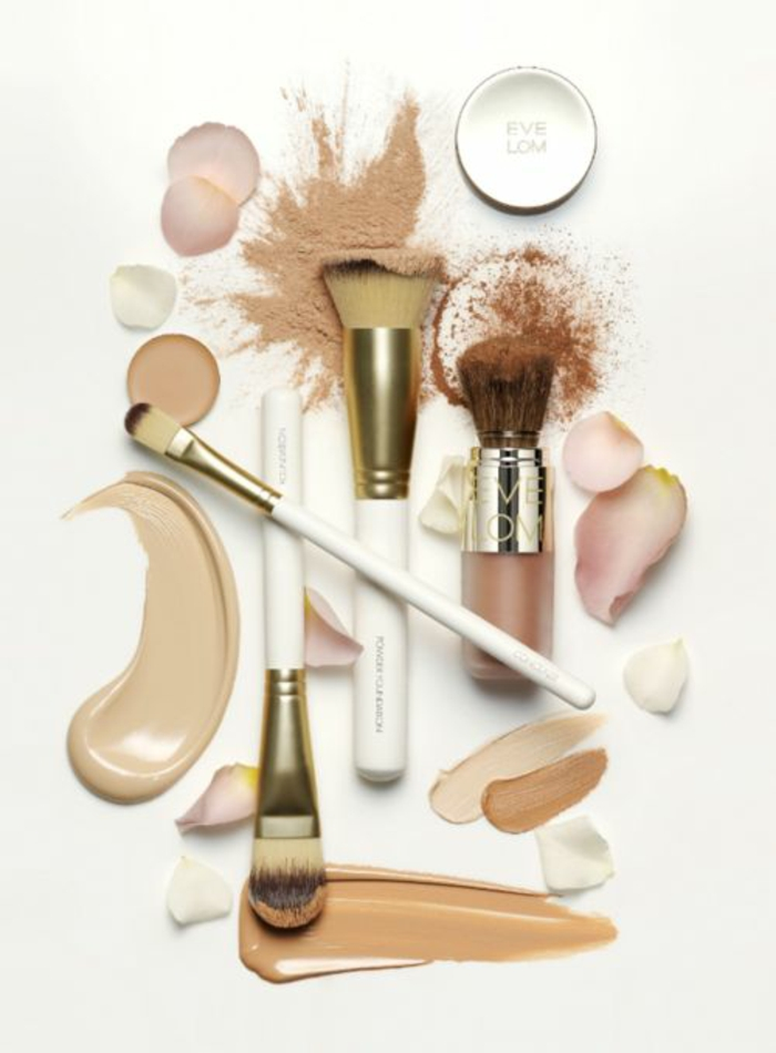 pinceau-maquillage-professionnel-font-de-teint-palette
