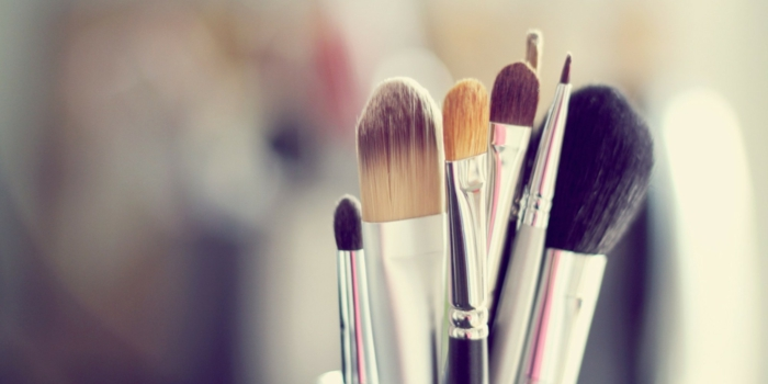 Le pinceau maquillage professionnel lequel choisir - Presentoir maquillage pas cher ...