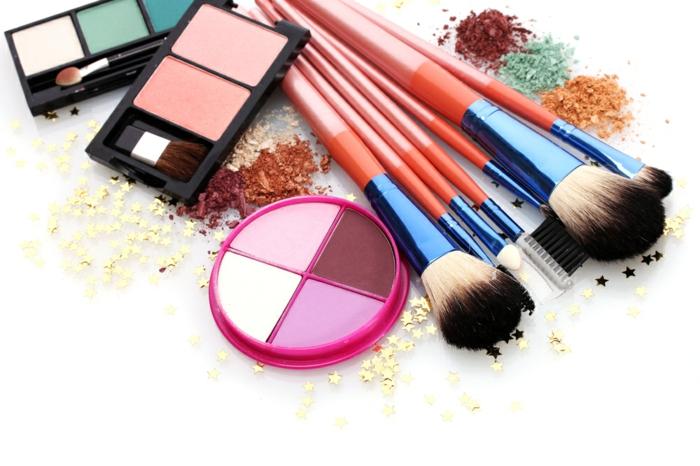 Le pinceau maquillage professionnel lequel choisir - Pinceau de maquillage pas cher ...