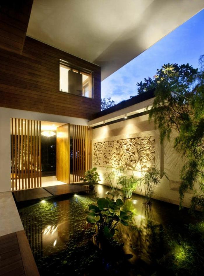 piscine-biologique-devant-une-maison-contemporaine
