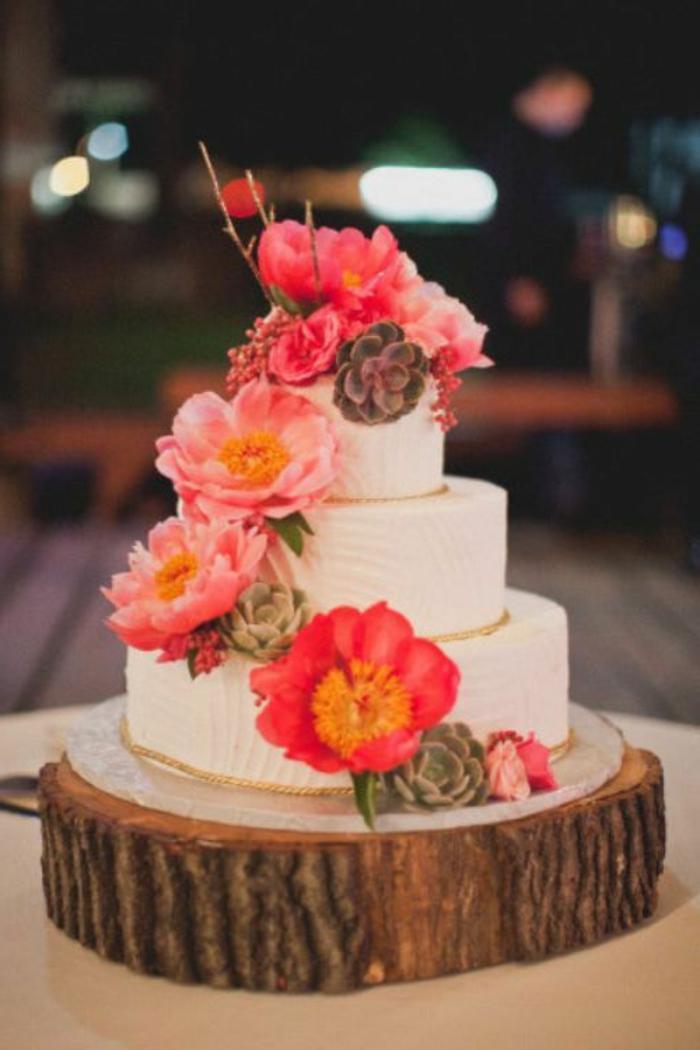 pivoine-rose-ou-blanche-pour-la-déco-gâteau