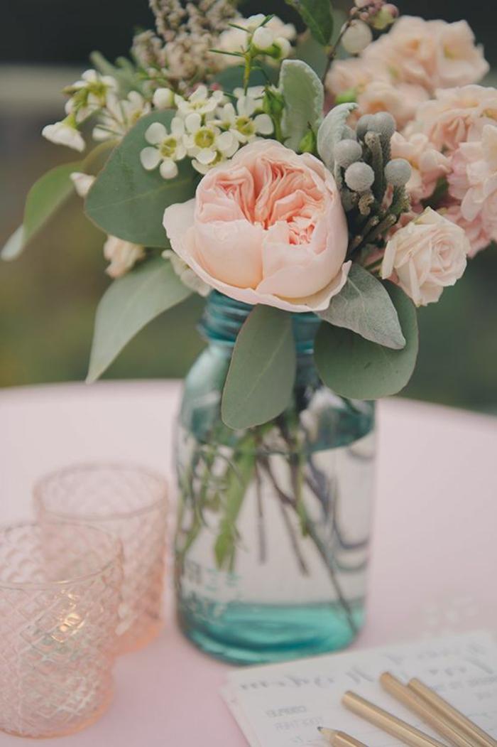 pivoine-rose-ou-blanche-pour-la-déco-vase