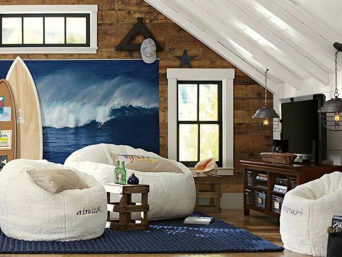 planche-de-surf-chambre-attique-en-brun-et-bleu
